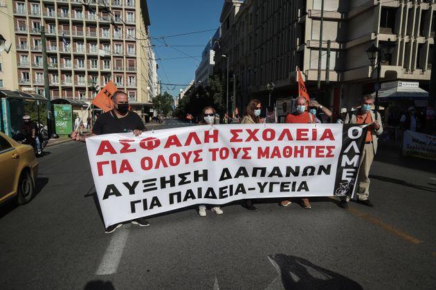 «Εμφραγμα» από τις πορείες στο κέντρο της Αθήνας - Εντάσεις και