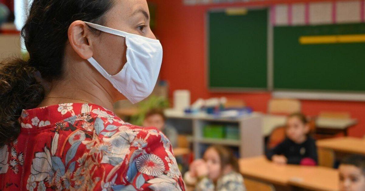Les masques DIM distribués aux professeurs sont-ils vraiment toxiques?