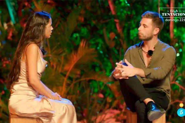 Tom y Melyssa en la hoguera de confrontación de 'La isla de las
