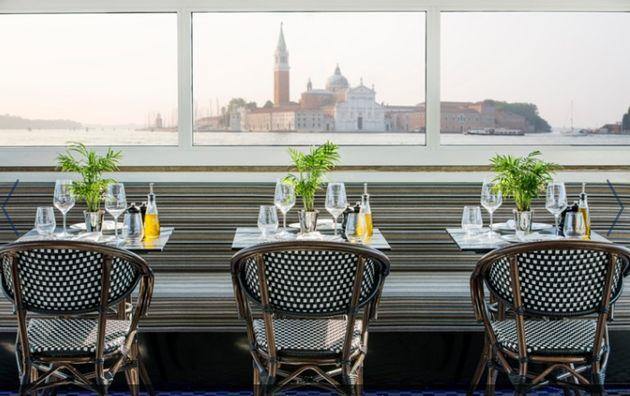Ενα ακόμα από τα εστιατόρια του κρουαζιερόπλοιου με υπέροχη θέα