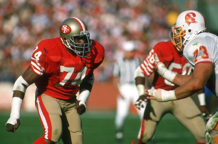Dean on the prowl in a 1984 game against the Tampa Bay Buccaneers.