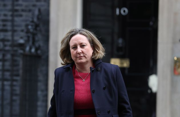 Return Of No.10 Covid Briefings Would Rally Public To Follow Rules, Senior Tory Says