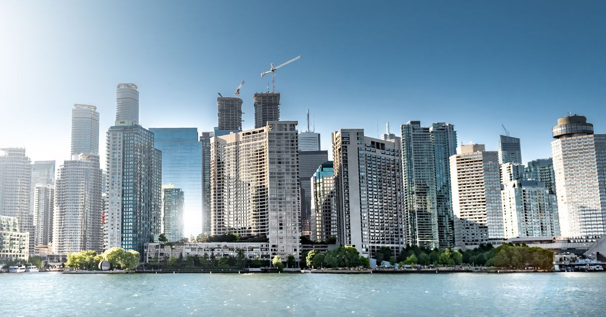 Toronto Condo Market Deluged With Listings, In A Bad Sign For Investor... image