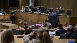 Δίκη Χρυσής Αυγής: Παιδιά και οικονομική κατάσταση. Τι επικαλούνται οι ένοχοι για να μην μπουν