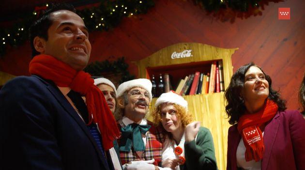 Ignacio Aguado e Isabel Díaz Ayuso, en un acto navideño en la Puerta del Sol en diciembre de