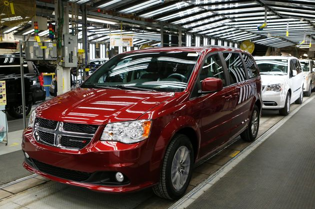 Fiat Chrysler's Dodge minivans on the assembly line in Windsor, Ont., Feb. 9, 2015. The company has reached a deal to invest $1.5 billion in new manufacturing in Canada, union Unifor says.