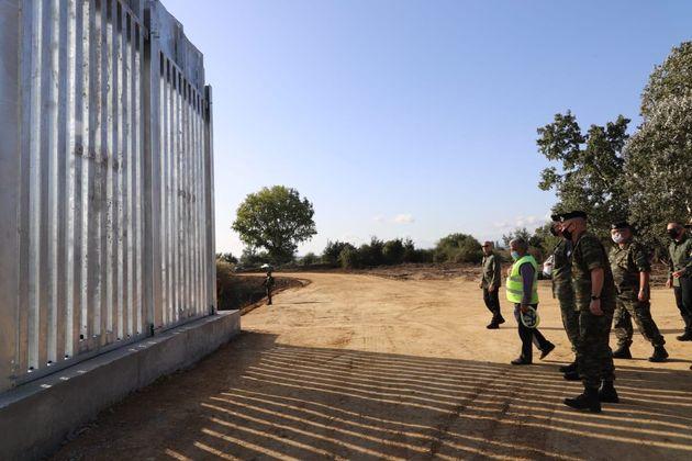 Στον Έβρο για την κατασκευή του νέου φράχτη ο πρωθυπουργός | HuffPost Greece