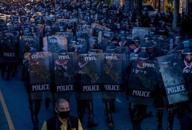 警察隊(2020年10月15日)