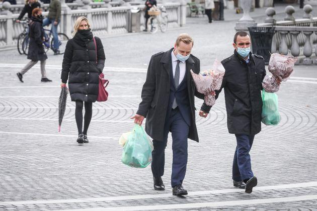 Η Σλοβενία σταματά την ιχνηλάτηση επαφών φορέων του κορονοϊού γιατί δεν έχει επαρκή