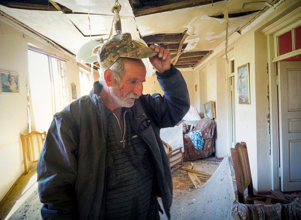 Ο Γιούρι Μελκονιάν, 64...