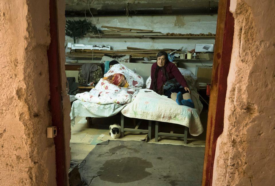 Γυναίκες μόνες σε καταφύγιο...