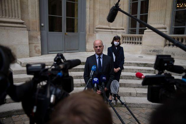 Jean-Michel Blanquer répondant à la presse samedi 17 octobre, après avoir reçu...