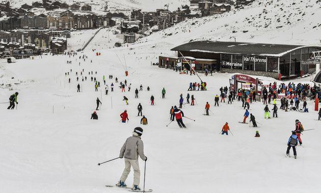 Pour l'heure, la fermeture des stations de ski cet hiver n'est pas