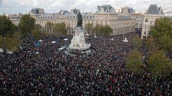 Minute de silence, applaudissements, Marseillaise... L'hommage à Samuel Paty place de la