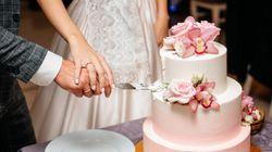 88 invitati al matrimonio divisi in tre feste. Gli sposi: