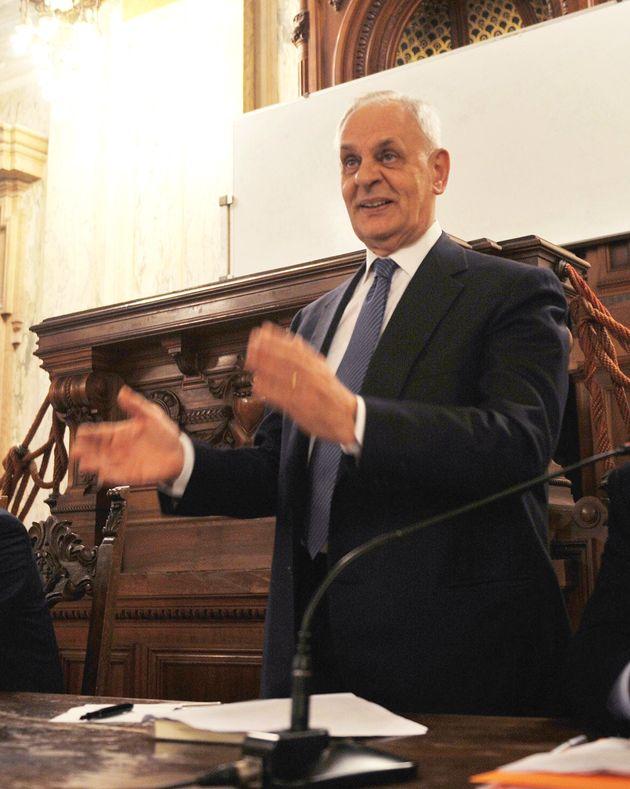 """Marcello Pera (amico di Ratzinger) contro Bergoglio: """"Si è adeguato al pensiero anticristiano"""""""