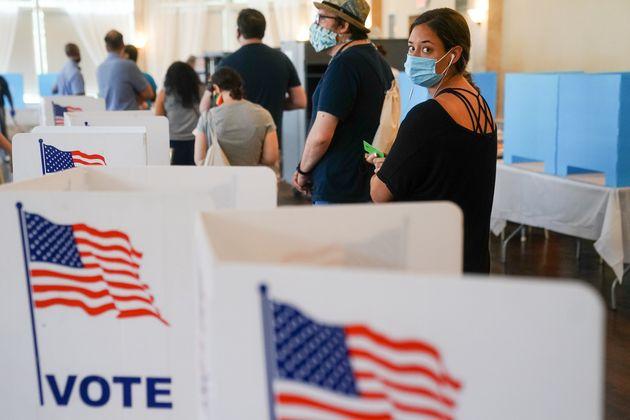 La gente espera para votar en las elecciones primarias en Atlanta (Georgia, EEUU) el pasado mes de