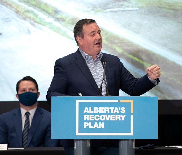 Alberta premier Jason Kenney speaks in Calgary on Oct. 9,