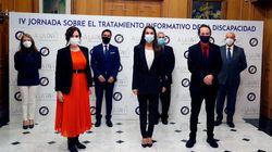 El mensaje de la mascarilla de Iglesias en su acto con Letizia: no es el que
