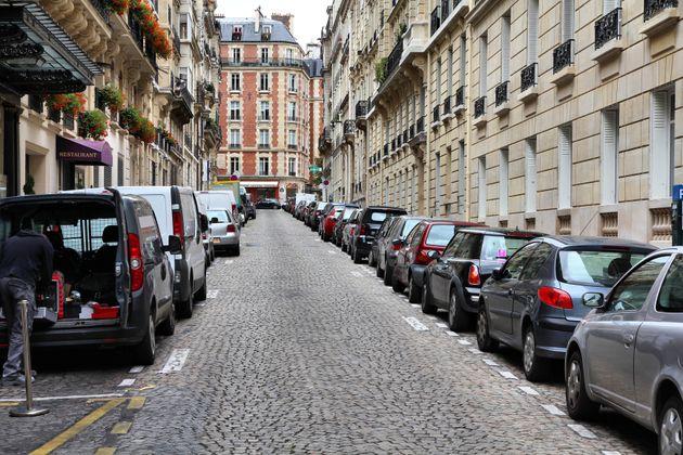 Il y aura moitié moins de places de parking à Paris dans le