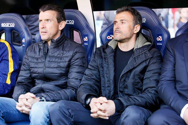Juan Carlos Unzué, como segundo entrenador del Barcelona junto a Luis