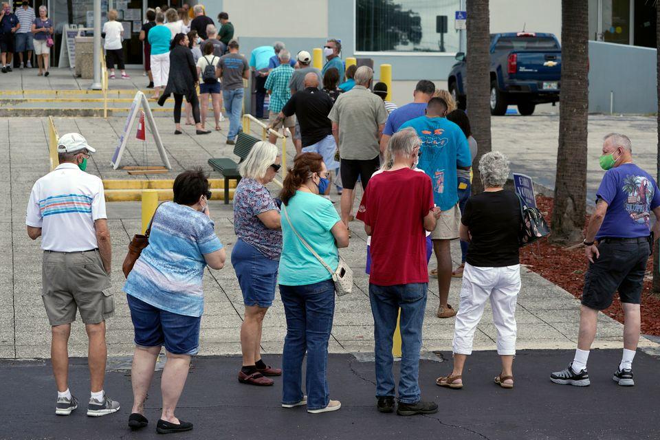 올해 미국 대선에서는 코로나19 등의 영향으로 그 어느 때보다 많은 사람이 조기투표(Early Voting)과 우편투표(Mail-in Voting)에 참여하고 있다. 사진은 조기투표소...