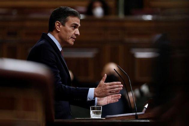 El presidente del Gobierno, Pedro Sánchez, en la tribuna del Congreso durante el debate de la moción...