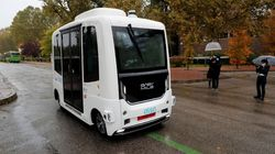 El primer autobús sin conductor en España se estrella el primer día de