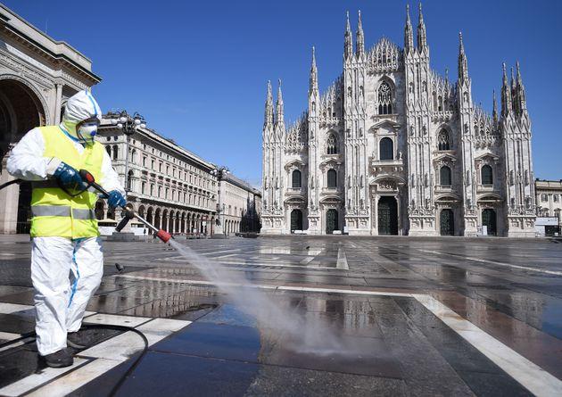 Record di contagi Covid in Lombardia: superata quota 4.000 in un giorno