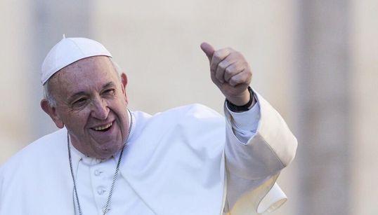 Vaya día para Vox: el papa apoya las uniones civiles de