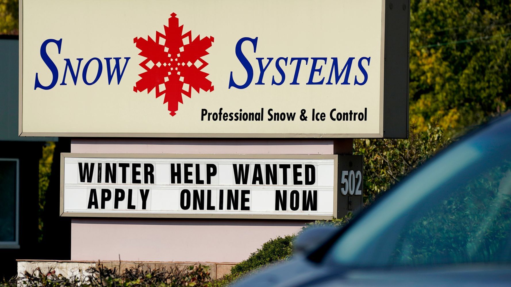 U.S. Jobless Claims Drop To 787,000, But Layoffs Remain High