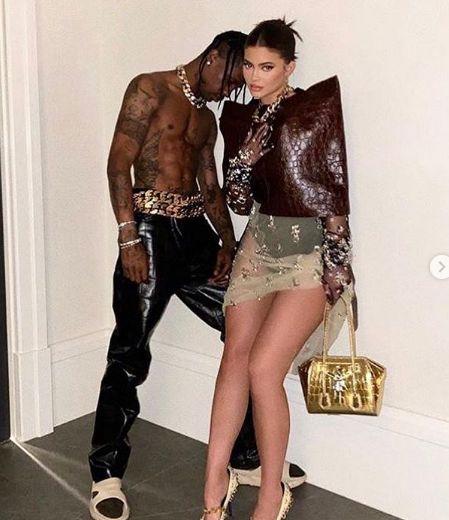 Η Κάιλι Τζένερ κι ο Τράβις Σκοτ με ρούχα της νέας συλλογής Givenchy