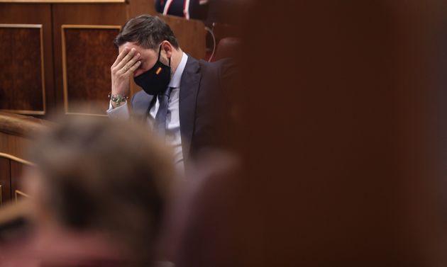 El líder de Vox, Santiago Abascal, durante la moción de censura presentada por su partido,...