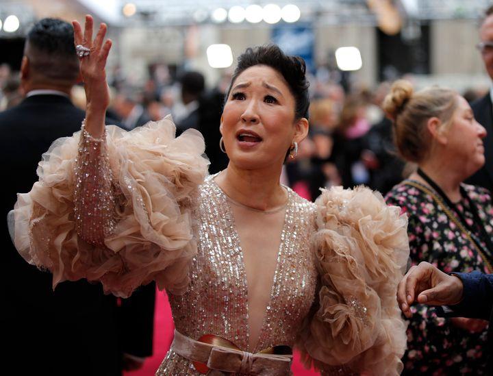 Sandra Oh arrives at the Oscars on Feb. 9, 2020.