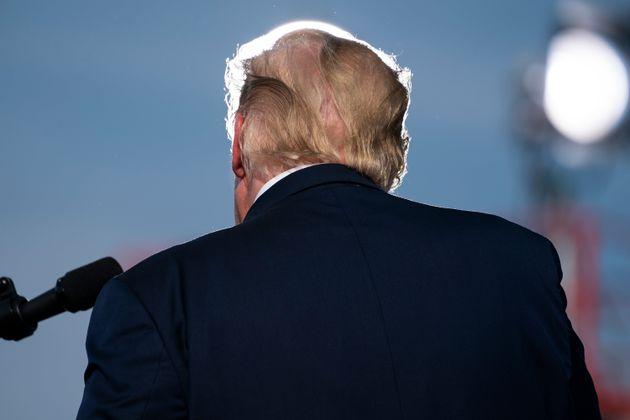 재선에 도전하는 도널드 트럼프 미국 대통령이 선거 유세를 하고 있다. 오캘러, 플로리다주. 2020년