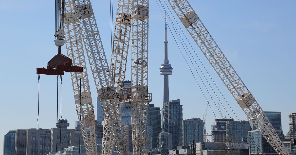 Economists Slash Forecasts For Canada As Second Wave Takes Hold