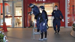梅田駅近くの商業施設から男性が飛び降り死亡、路上の女性にぶつかったか