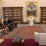 El comentario del papa Francisco que ha provocado una carcajada de Sánchez y su