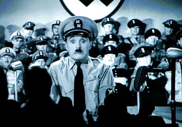 «Ο Μεγάλος Δικτάτωρ» γίνεται 80 χρονών: Η μεγαλοφυής σάτιρα του Τσάπλιν για τον