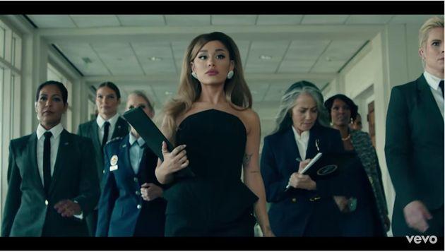 アリアナ・グランデが「女性大統領」になったMVが話題に。男女の立場も逆転(動画)