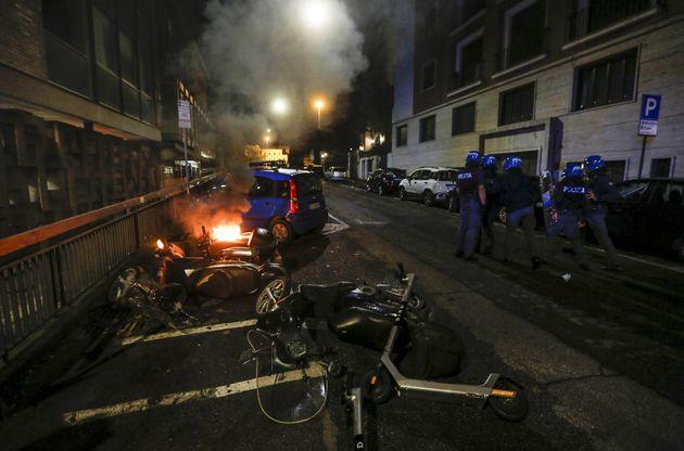 Επεισόδια στη Ρώμη για την απαγόρευση κυκλοφορίας λόγω