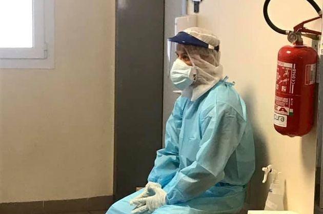 La foto dell'infermiere simbolo della seconda ondata condivisa sulla pagina dell'Ospedale Sant'Orsola...