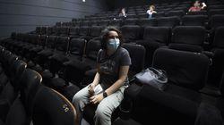 """L'appello contro la chiusura di cinema e teatri: """"Non toglieteci la possibilità di"""