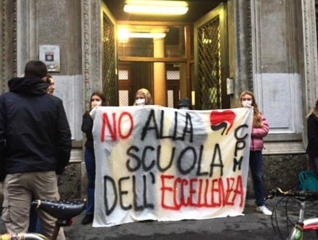 La protesta degli studenti del liceo