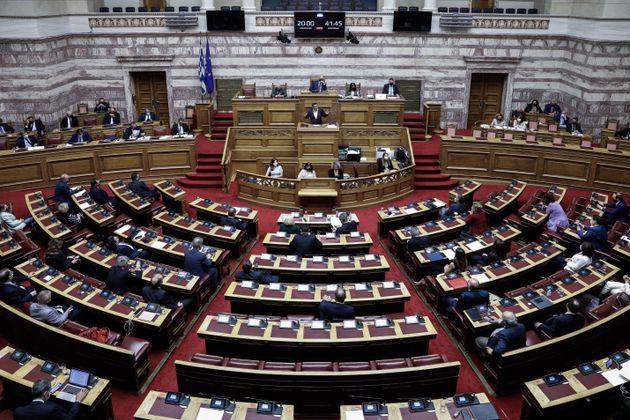 Βουλή: Απορρίφθηκε η πρόταση μομφής κατά