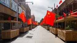 REAZIONE CINESE - Focolaio in una fabbrica nello Xinjiang, testate 2,8 milioni di persone in 24