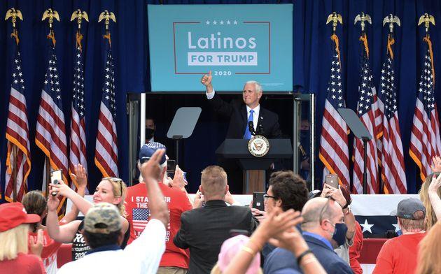 Orlando, Florida (EEUU), 10 de octubre. El vicepresidente Mike Pence, en un acto de campaña de 'Latinos...