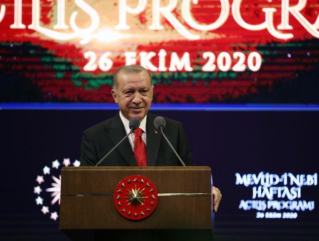 Erdogan rabbioso contro Francia e Ue: