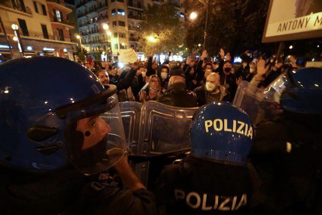 Napoli protesta ANSA/CESARE