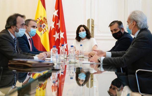 Reunión entre los equipos de Díaz Ayuso y